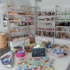 interieur-boutique-la-savonnerie-du-croisic